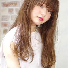 前髪あり ピュア ナチュラル ワイドバング ヘアスタイルや髪型の写真・画像
