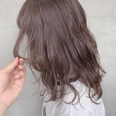 ブリーチカラー セミロング ナチュラル ブリーチ ヘアスタイルや髪型の写真・画像