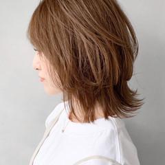 ミディアム エレガント ウルフカット ヘアスタイルや髪型の写真・画像