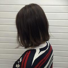 ロブ 外ハネ 外国人風 ハイライト ヘアスタイルや髪型の写真・画像