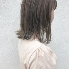 切りっぱなし ロブ ボブ ナチュラル ヘアスタイルや髪型の写真・画像