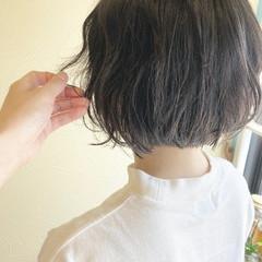 波ウェーブ フェミニン 大人可愛い 切りっぱなしボブ ヘアスタイルや髪型の写真・画像