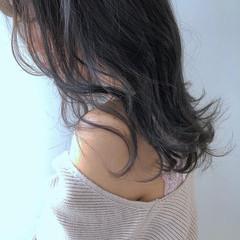 フェミニン 透明感カラー セミロング ブリーチなし ヘアスタイルや髪型の写真・画像