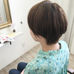 リラックス ショート 外国人風 アッシュベージュ ヘアスタイルや髪型の写真・画像