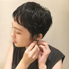 ショートパーマ ショートヘア ナチュラル 黒髪 ヘアスタイルや髪型の写真・画像