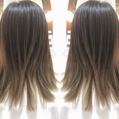 アッシュグレー アッシュ ハイライト グラデーションカラー ヘアスタイルや髪型の写真・画像