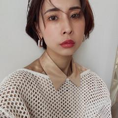 モデル ファッション グレージュ ショートボブ ヘアスタイルや髪型の写真・画像