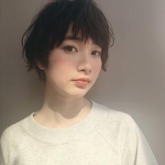 小顔 ナチュラル 大人女子 前髪あり ヘアスタイルや髪型の写真・画像