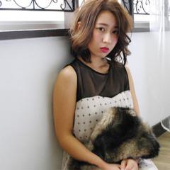 ストリート 外国人風 グラデーションカラー ゆるふわ ヘアスタイルや髪型の写真・画像