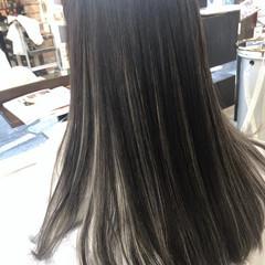 イルミナカラー 透明感カラー ロング ブリーチカラー ヘアスタイルや髪型の写真・画像