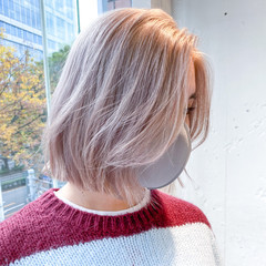 ボブ ハイトーンカラー 切りっぱなしボブ ストリート ヘアスタイルや髪型の写真・画像