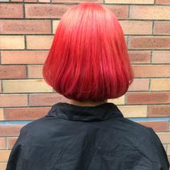 ブリーチ ダブルカラー レッド ガーリー ヘアスタイルや髪型の写真・画像