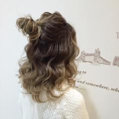 波ウェーブ 結婚式 セミロング お団子 ヘアスタイルや髪型の写真・画像