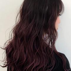 グラデーションカラー ストリート ゆるウェーブ ピンクバイオレット ヘアスタイルや髪型の写真・画像