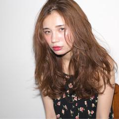 外国人風 セミロング 大人かわいい ストリート ヘアスタイルや髪型の写真・画像