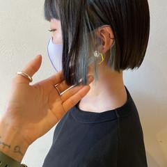 インナーブルー モード 切りっぱなしボブ インナーカラー ヘアスタイルや髪型の写真・画像