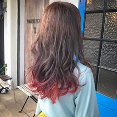 フェミニン ピンク レッド セミロング ヘアスタイルや髪型の写真・画像