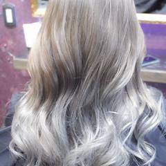 セミロング ブリーチ バレイヤージュ ナチュラルグラデーション ヘアスタイルや髪型の写真・画像