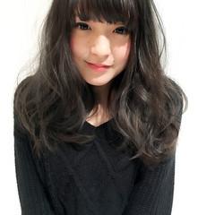 ロング 外国人風カラー アッシュ グレージュ ヘアスタイルや髪型の写真・画像