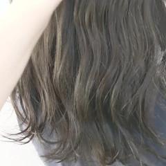 ロング 地毛風カラー グレージュ ナチュラル ヘアスタイルや髪型の写真・画像