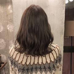 暗髪 ヘアアレンジ ナチュラル オフィス ヘアスタイルや髪型の写真・画像