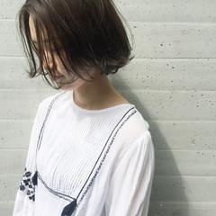外国人風 アッシュ ナチュラル 暗髪 ヘアスタイルや髪型の写真・画像