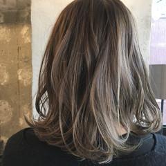 ニュアンス アッシュ ミディアム 外国人風カラー ヘアスタイルや髪型の写真・画像