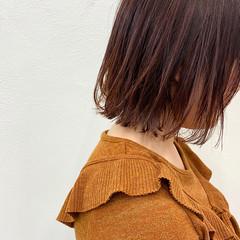 切りっぱなしボブ 暖色 ボブ カシスカラー ヘアスタイルや髪型の写真・画像
