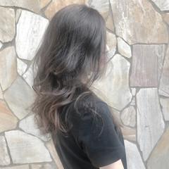 セミロング デート ナチュラル パーマ ヘアスタイルや髪型の写真・画像