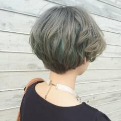 ハイトーン アッシュ ヘアスタイルや髪型の写真・画像