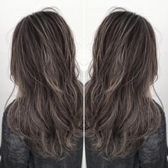 ロング ウェーブ アンニュイ ストリート ヘアスタイルや髪型の写真・画像