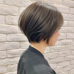 オフィス デート パーマ ナチュラル ヘアスタイルや髪型の写真・画像
