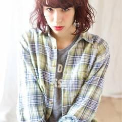 ボブ ウェーブ ピンク レッド ヘアスタイルや髪型の写真・画像