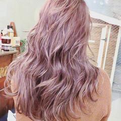 外国人風カラー インナーカラー ピンクラベンダー ラベンダー ヘアスタイルや髪型の写真・画像
