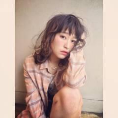 フェミニン ストリート ミディアム 卵型 ヘアスタイルや髪型の写真・画像