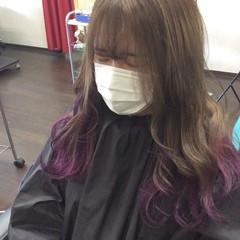 インナーカラーパープル セミロング インナーカラー ガーリー ヘアスタイルや髪型の写真・画像
