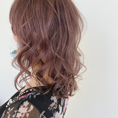 可愛い ミディアム ナチュラル ラベンダーピンク ヘアスタイルや髪型の写真・画像
