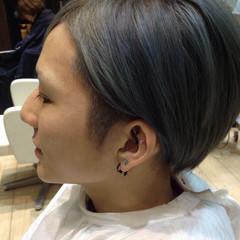 ナチュラル ショート グラデーションカラー メンズ ヘアスタイルや髪型の写真・画像