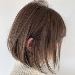 ボブ ベージュ 前下がりショート ミルクティーベージュ ヘアスタイルや髪型の写真・画像