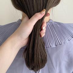 ナチュラル オリーブグレージュ ミディアム 透明感カラー ヘアスタイルや髪型の写真・画像