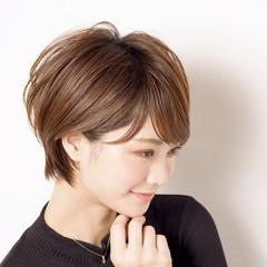 ショート アンニュイほつれヘア ヘアアレンジ ナチュラル ヘアスタイルや髪型の写真・画像