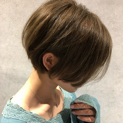 抜け感 ショートボブ ボブ グレージュ ヘアスタイルや髪型の写真・画像