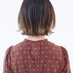 アンニュイほつれヘア バレイヤージュ ストリート グラデーションカラー ヘアスタイルや髪型の写真・画像