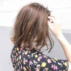 夏 ウェーブ 透明感 アンニュイ ヘアスタイルや髪型の写真・画像