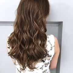 外国人風 アッシュ ロング グラデーションカラー ヘアスタイルや髪型の写真・画像