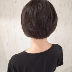 かっこいい ショート 暗髪 ナチュラル ヘアスタイルや髪型の写真・画像