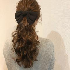 フェミニン ヘアアレンジ ねじり ポニーテール ヘアスタイルや髪型の写真・画像
