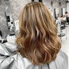 ミディアム 外国人風カラー ベージュ コントラストハイライト ヘアスタイルや髪型の写真・画像
