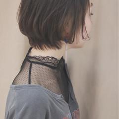 グレージュ ショート ナチュラル イルミナカラー ヘアスタイルや髪型の写真・画像