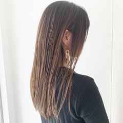 ロング ストレート ハイライト グラデーションカラー ヘアスタイルや髪型の写真・画像